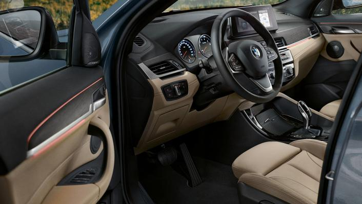 BMW X1 2020 sDrive18i xLine Interior 002