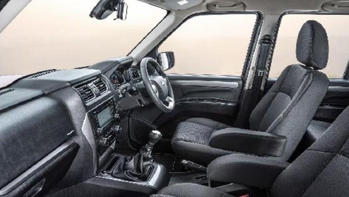 Mahindra Scorpio Pikup 2019 Interior 001