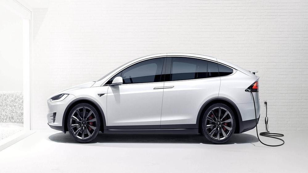 Tesla Model X 2019 Exterior 002