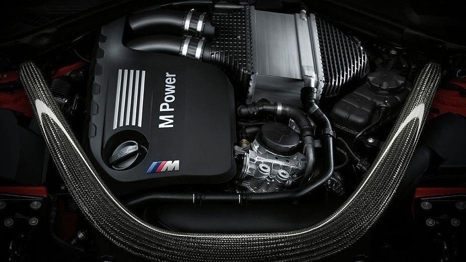 BMW M4 Coupe 2019 Interior 012