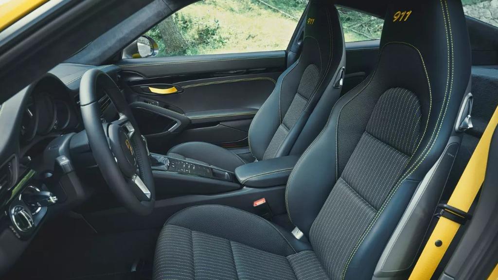 Porsche 911 2019 Interior 039