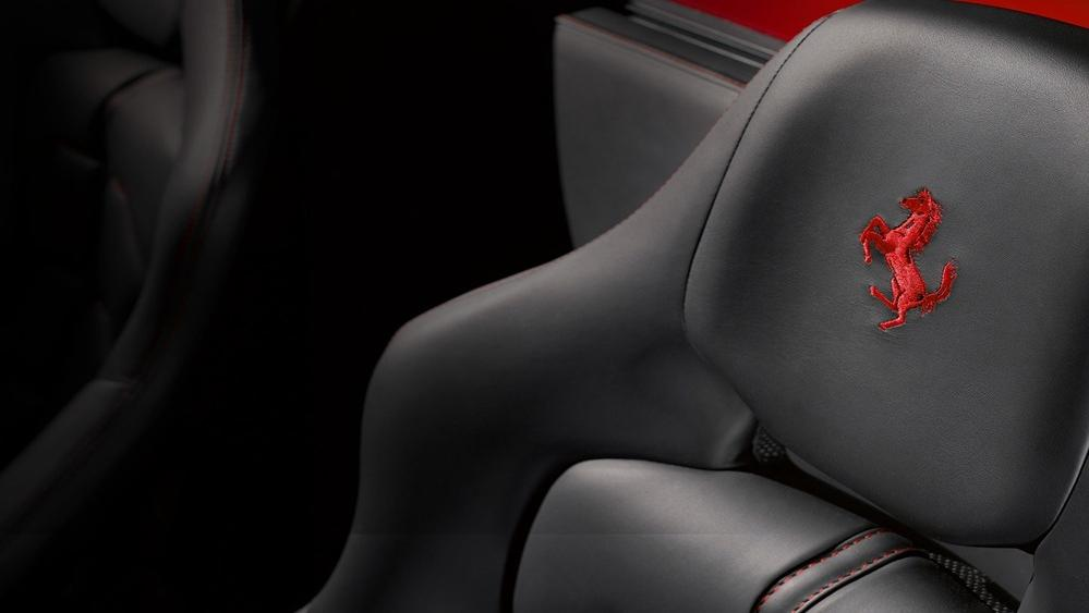 Ferrari 488 Pista 2019 Interior 003