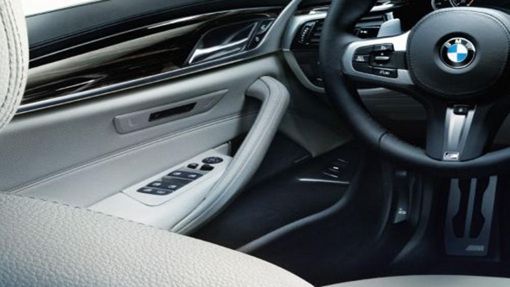 BMW 5 Series Sedan 2019 Interior 003
