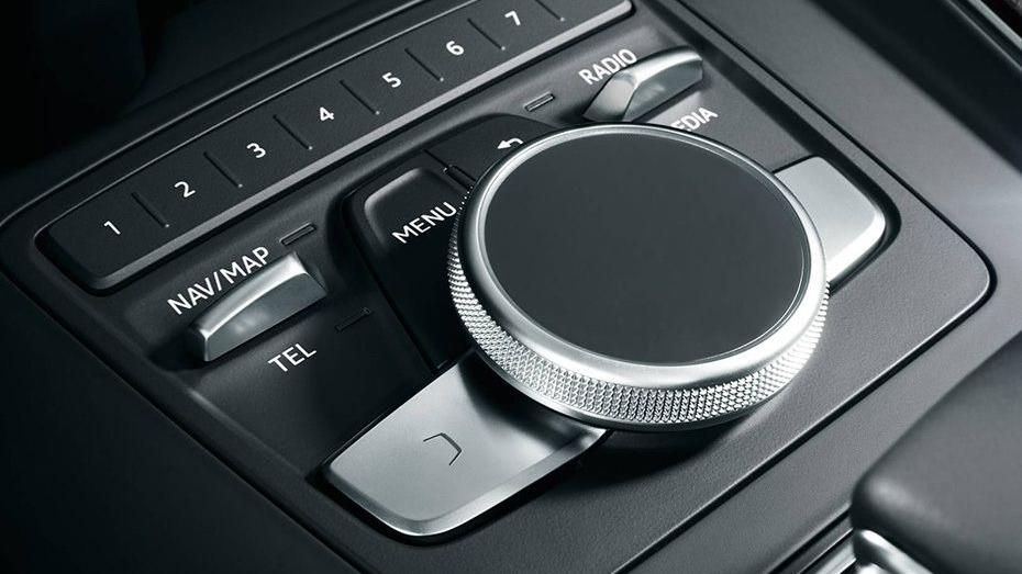 Audi A4 2019 Interior 009