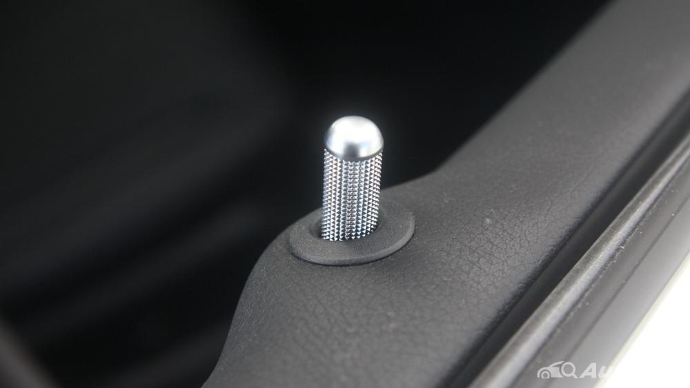 Mercedes-Benz E-Class 2019 Interior 036