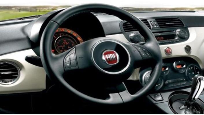 Fiat 500c 2019 Interior 005
