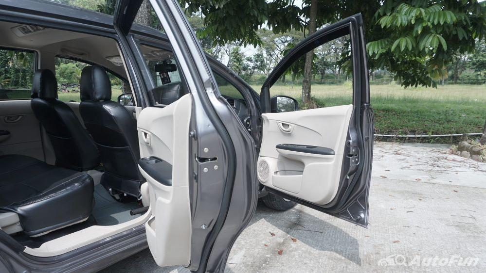 Honda Mobilio E CVT Interior 017