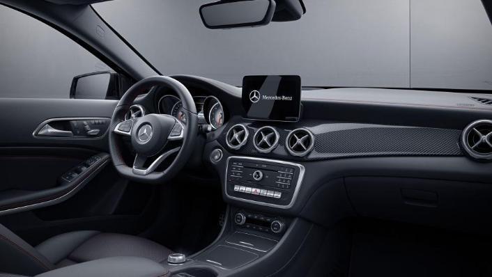 Mercedes-Benz GLA-Class 2019 Interior 008