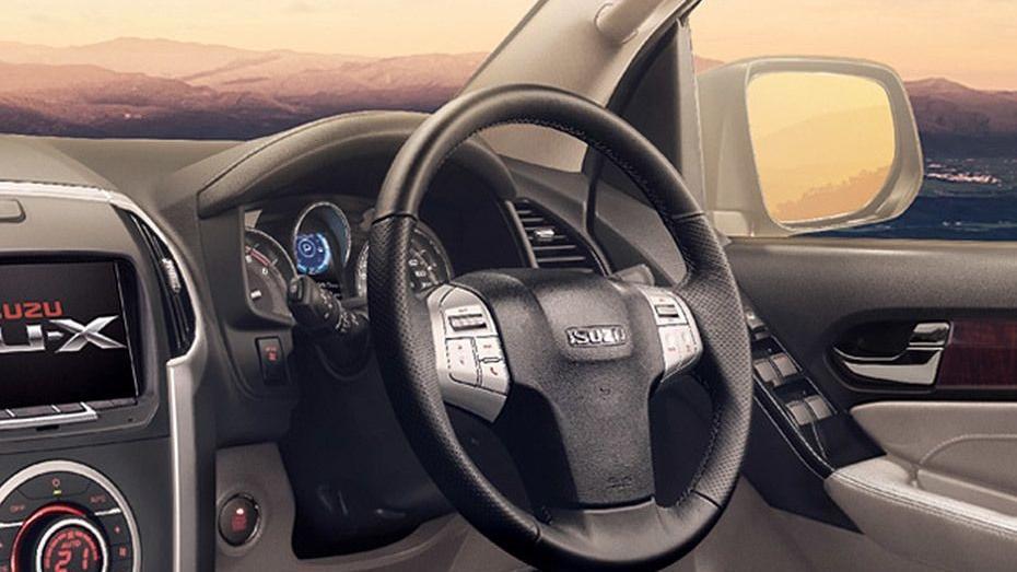 Isuzu MU-X 2019 Interior 002