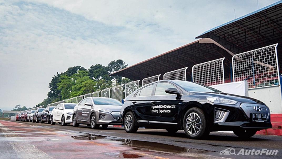 2021 Hyundai Ioniq Electric Exterior 016