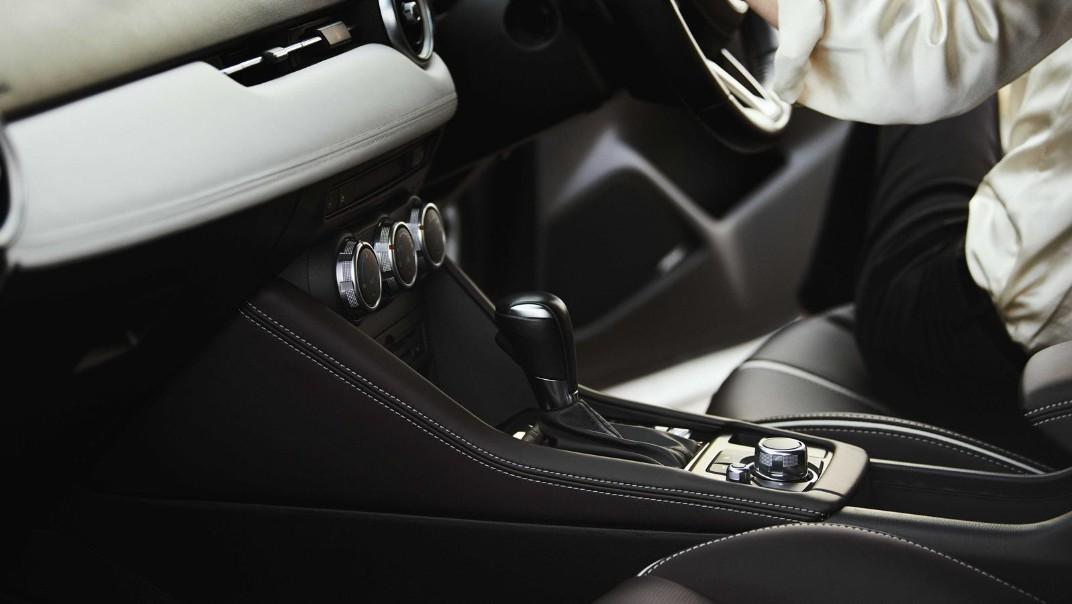 Mazda CX 3 2019 Interior 008