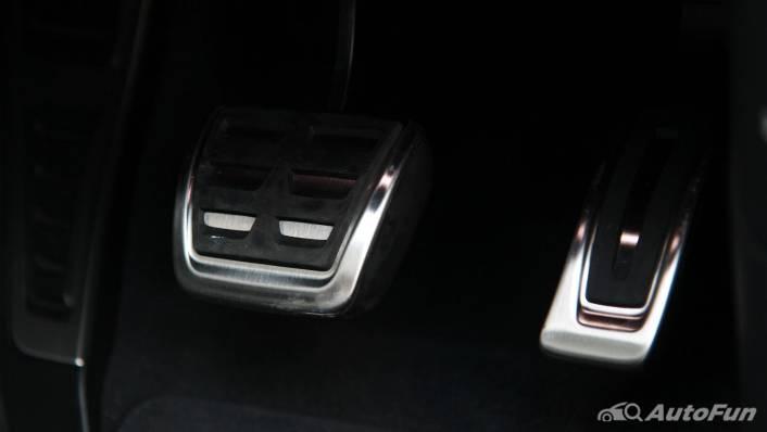 2021 Audi RS 4 Avant Interior 010