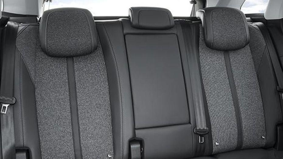 Peugeot 3008 2019 Interior 056