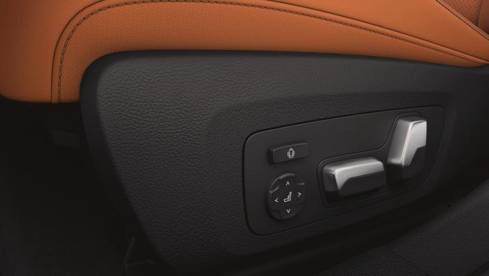 2021 BMW M3 Competition Interior 006