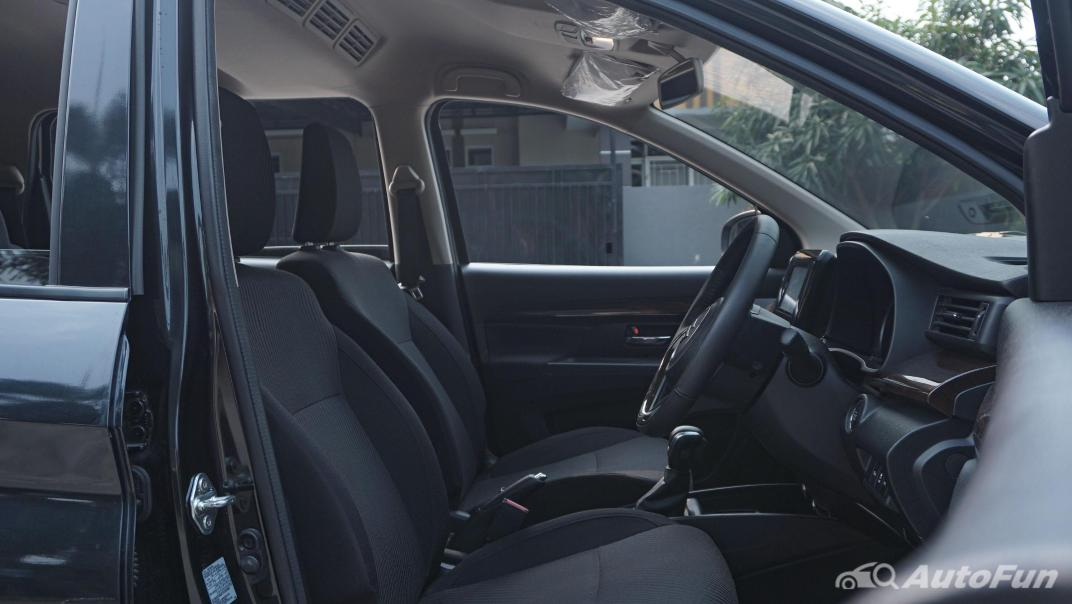 Suzuki Ertiga Sport AT Interior 023