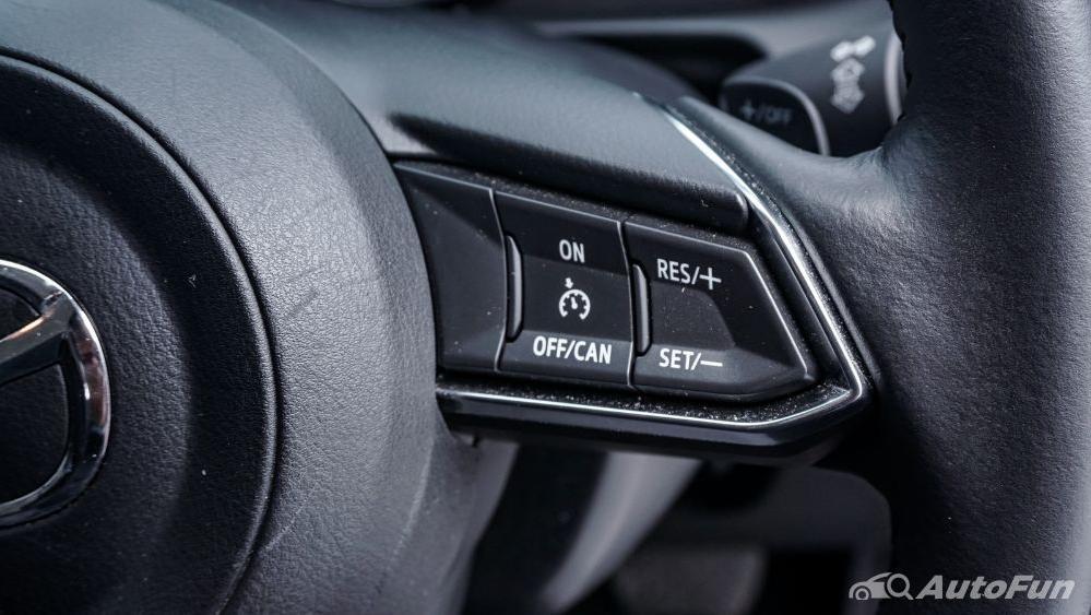 Mazda 2 GT AT Interior 010