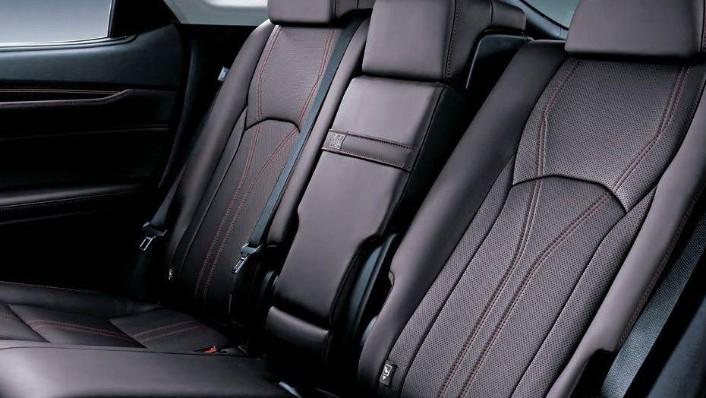 Lexus RX 2019 Interior 008