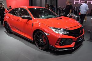 Review Honda Civic Type R: Mobil Sport Ikonik Andalan Honda