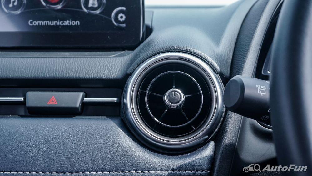 Mazda 2 GT AT Interior 023