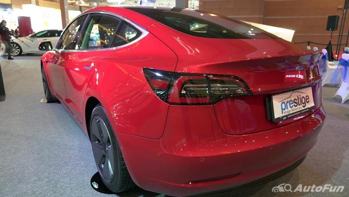 2021 Tesla Model 3 Exterior 003
