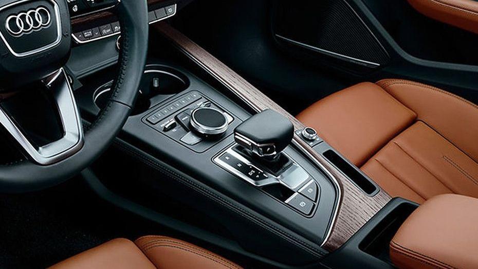 Audi A4 2019 Interior 003