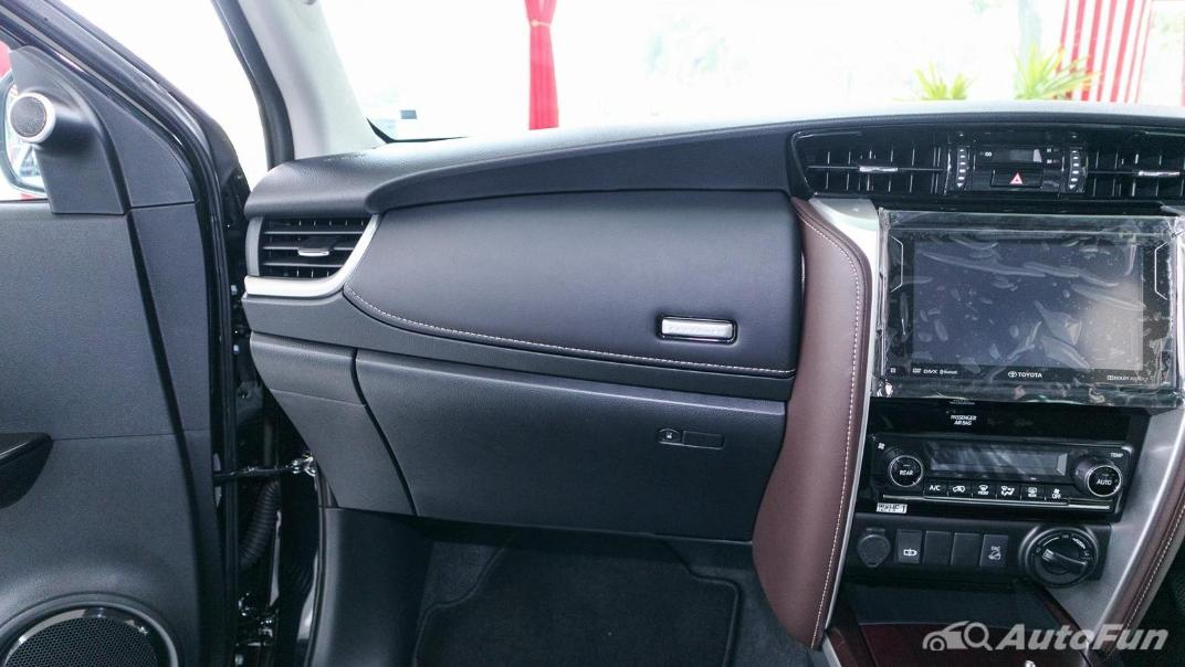 Toyota Fortuner 2019 Interior 005