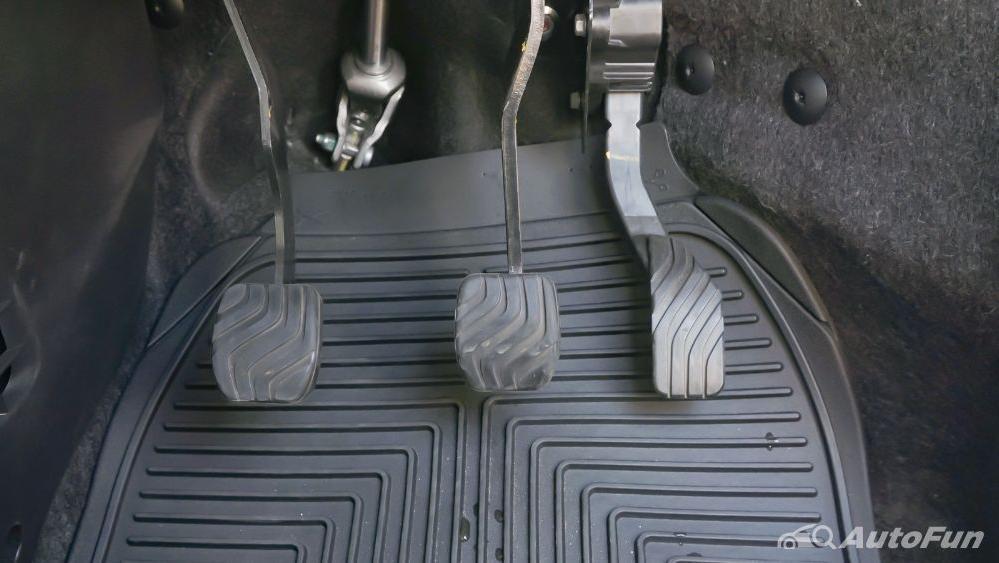 Renault Triber RXZ MT Interior 029