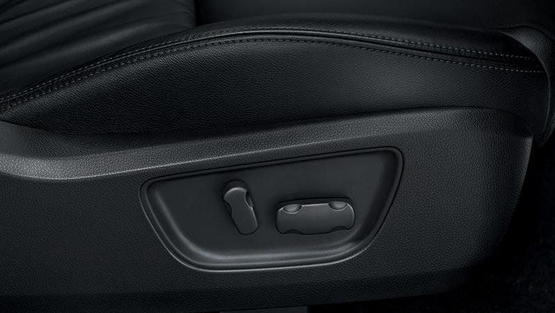 Mitsubishi Pajero Sport 2019 Interior 010