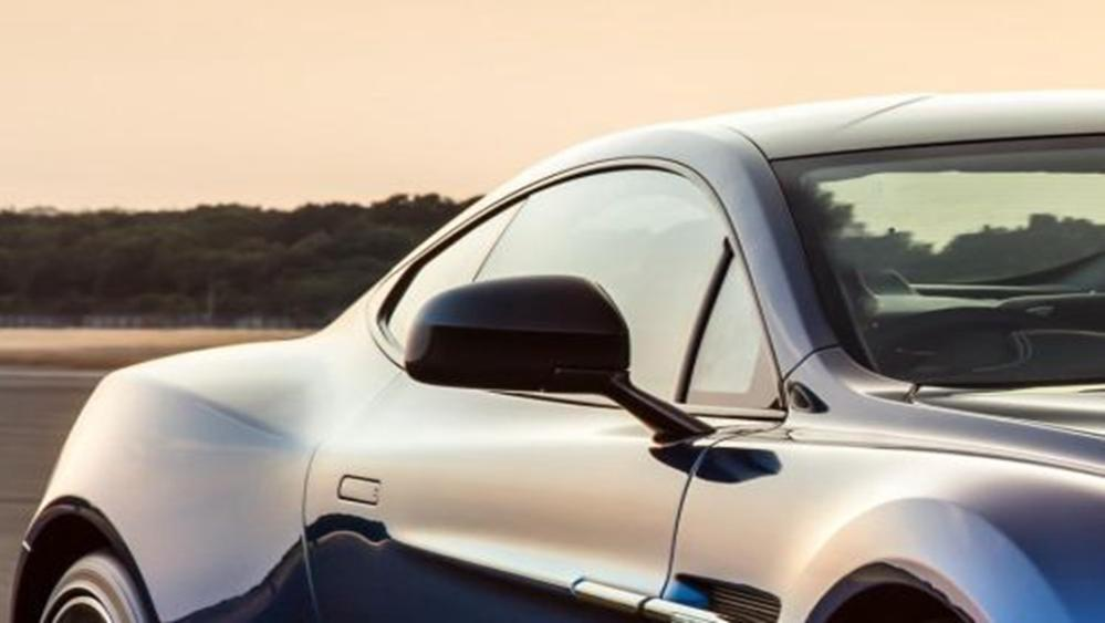 Aston Martin Vanquish 2019 Exterior 015