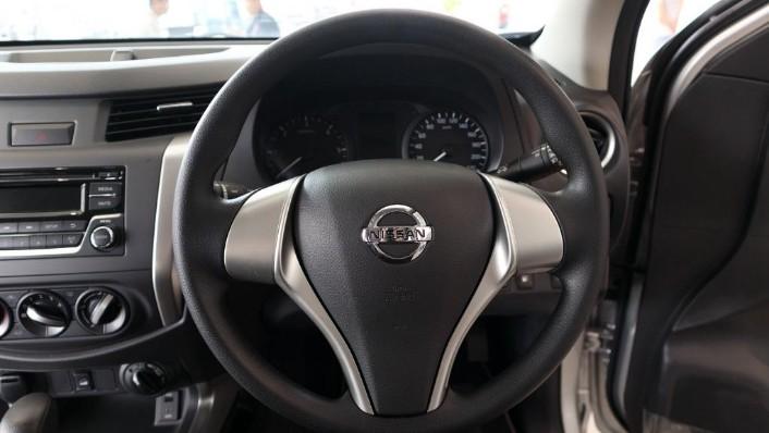 Nissan Navara 2019 Interior 006