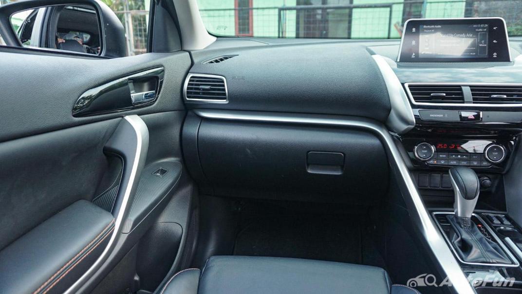Mitsubishi Eclipse Cross 1.5L Interior 005