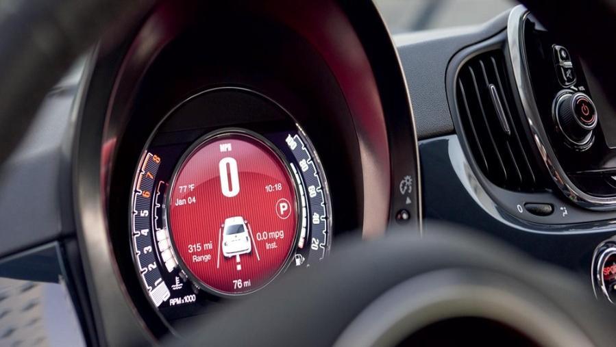Fiat 500 2019 Interior 003