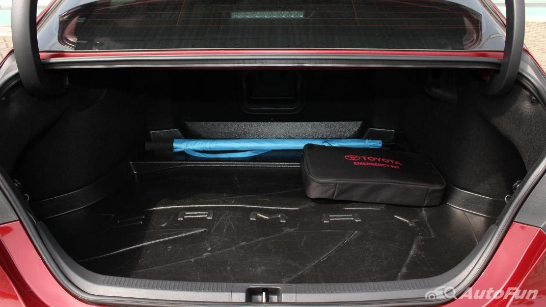 Toyota Camry 2019 Interior 079