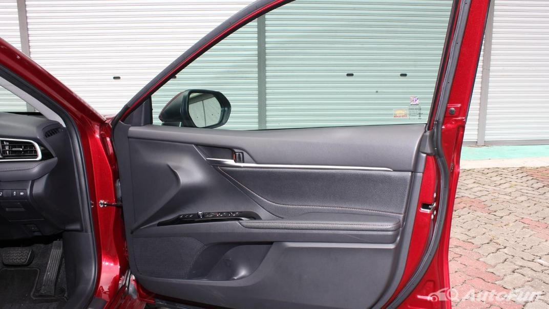 Toyota Camry 2019 Interior 078