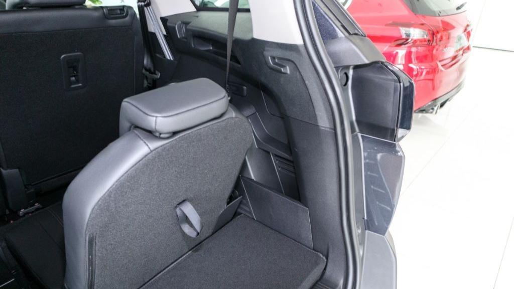 Peugeot 5008 2019 Interior 040
