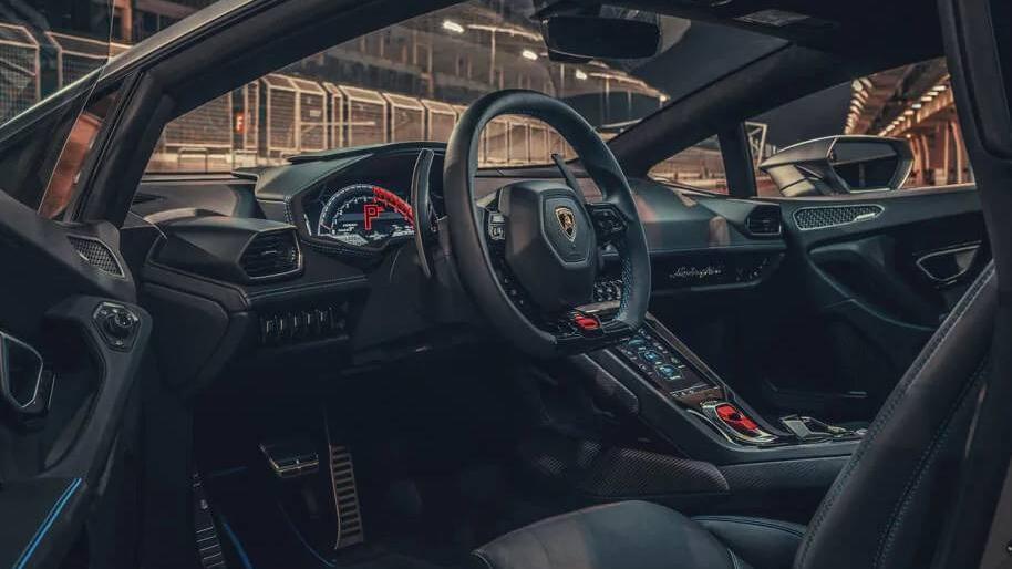 Lamborghini Huracan 2019 Interior 001