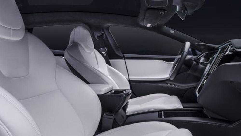Tesla Model S 2019 Interior 007