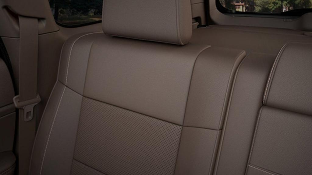Jeep Grand Cherokee 2019 Interior 013