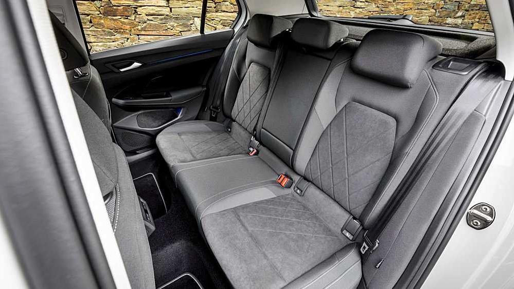 Volkswagen Golf 2019 Interior 091