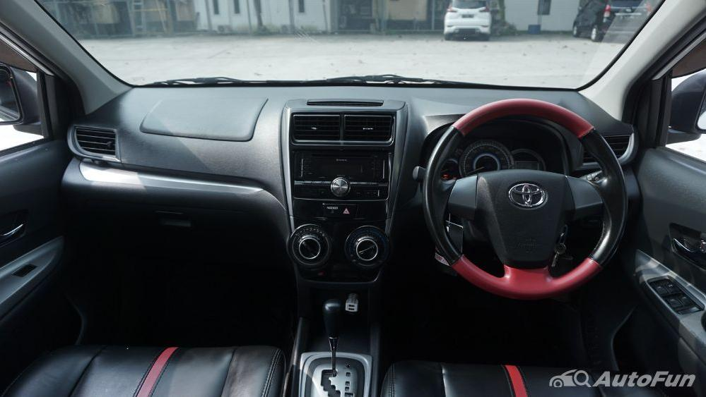 Toyota Avanza Veloz 1.3 MT Interior 002