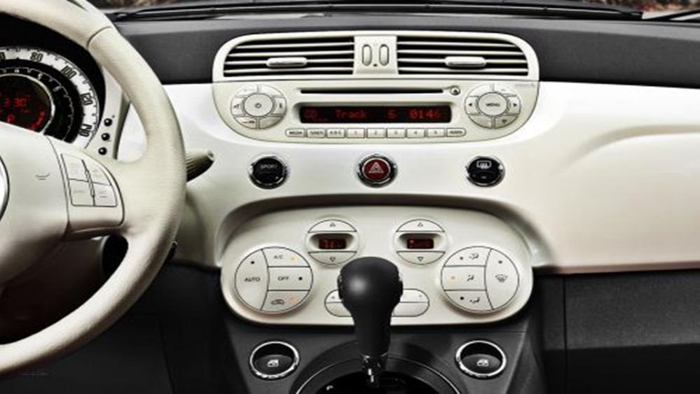 Fiat 500 2019 Interior 007