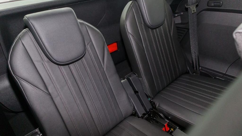 Peugeot 5008 2019 Interior 036