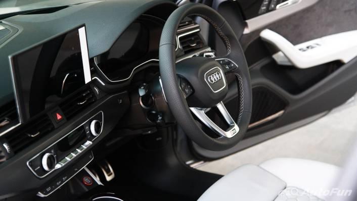 2021 Audi RS 4 Avant Interior 003