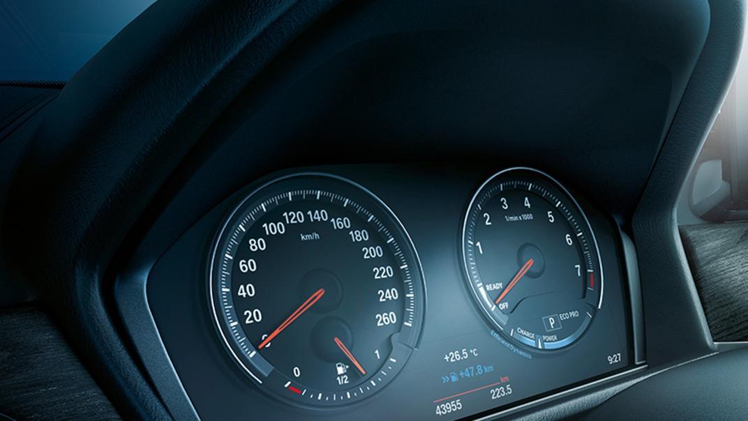 BMW X1 2020 sDrive18i xLine Interior 005