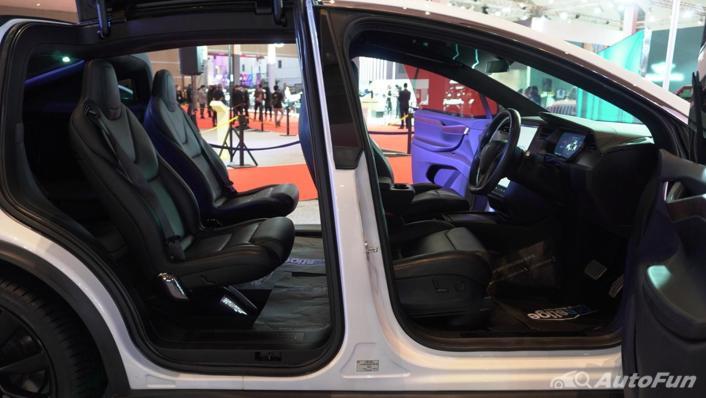 2021 Tesla Model X Interior 001