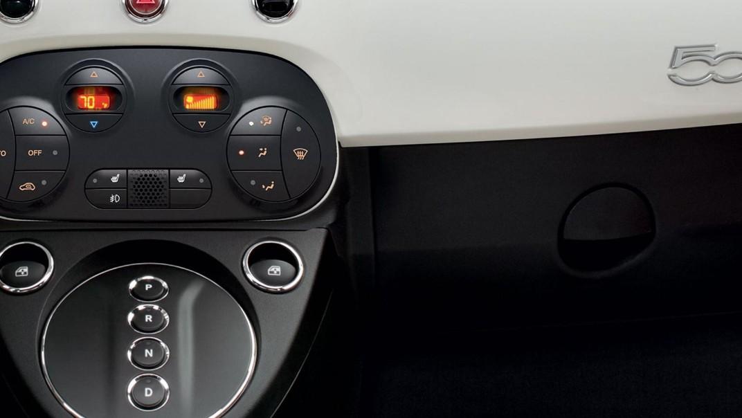 Fiat 500c 2019 Interior 014
