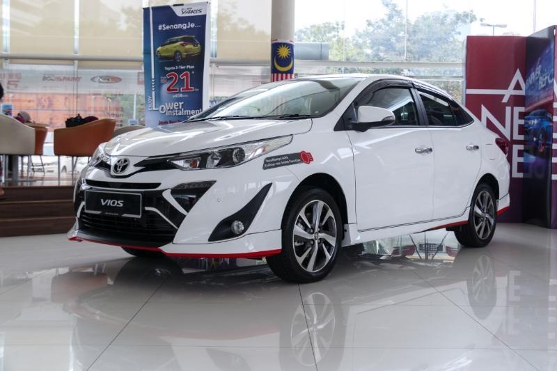 Overview Mobil: Mobil Toyota Vios G CVT menarik yang memiliki harga Rp343,650 - 308,750 02