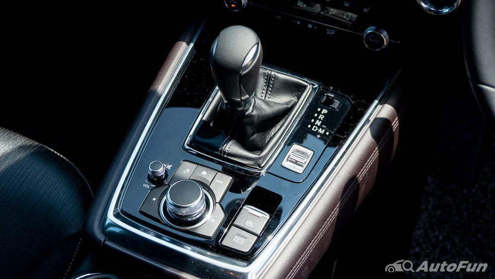 Mazda CX 8 2019 Interior 011