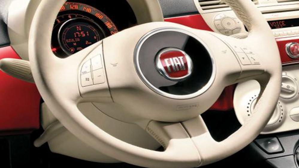 Fiat 500c 2019 Interior 006