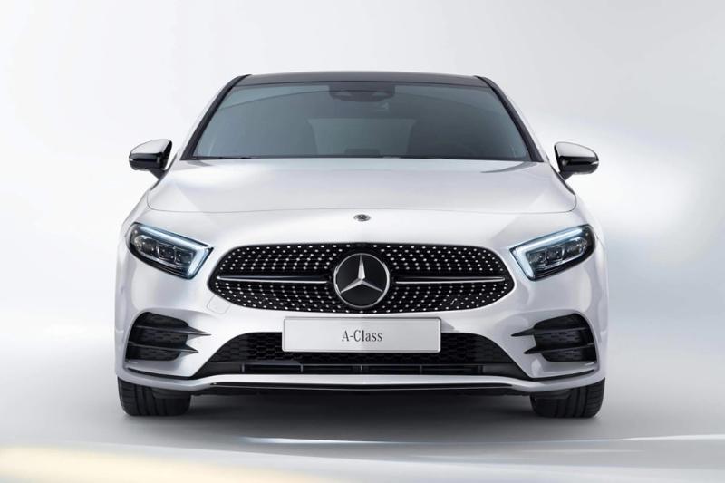 Overview Mobil: Mengetahui daftar harga terbaru dari Mercedes-Benz A-Class AMG A 35 4MATIC 02